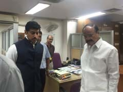 Venkaiah Naidu Pays Surprise Visit To Broadcasting Ministry, Pulls Up Latercomers