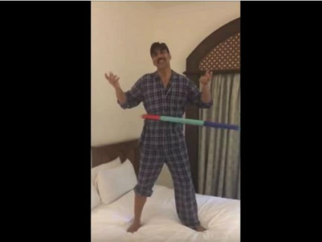 Behold the Glory of Akshay Kumar Hula-Hooping in Video Going Viral