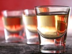 Pickle Juice Shot: The Brilliant Pairing of Whisky and Pickles