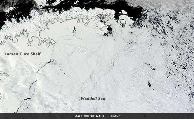 A Huge Crack Is Spreading Across One Of Antarctica's Biggest Ice Shelves