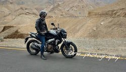 Bajaj Pulsar VS400 Spotted Undisguised During TVC Shoot; VS Full Form Revealed