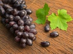 9 Amazing Black Grapes Benefits: From Heart Health to Gorgeous Skin