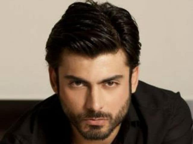 This Bollywood Star is Fawad's New Fan, Wishes Him Worldwide Success