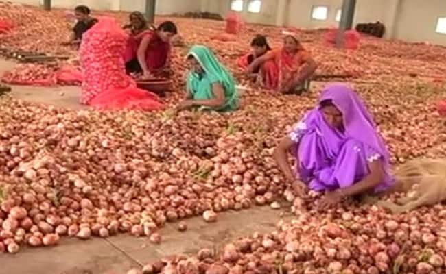 Onions sold Rs 2 per/kg Ration shops madhya pradesh