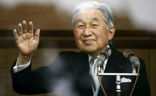 Japan cabinet approves law for Emperor Akihito abdication