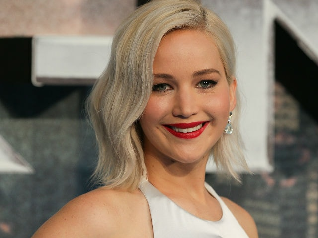 World's Highest-Paid Actresses Still Make Less Than Top Actors