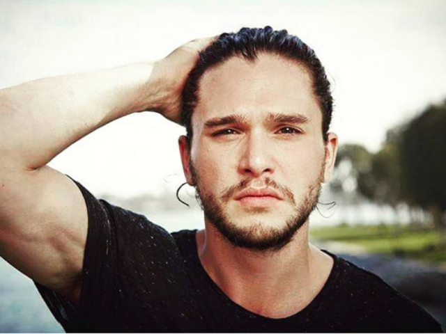 Kit Harington Jon Snow Is One Of The Safest On Game Of Thrones