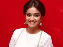 Dhanush's Co-Star Keerthy Does Risky Stunts on Moving Train For Thodari