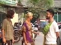 Gang Takes Foreign Tourists For A Ride, Lies About Curfew In Delhi