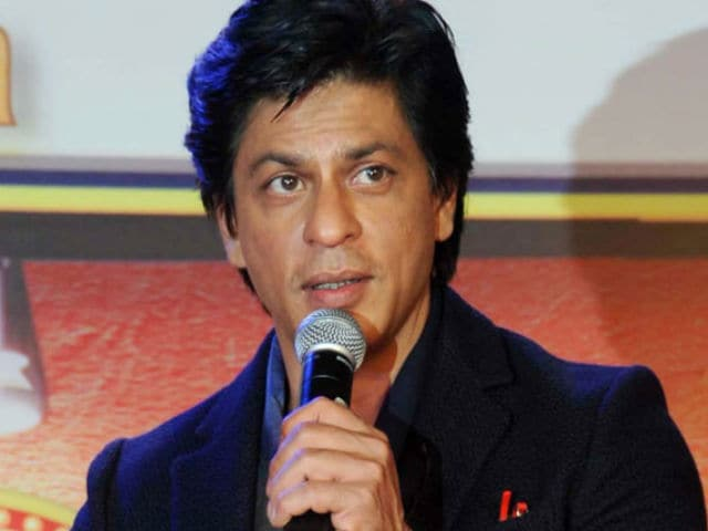 SRK Reveals Release Date of His Aanand L Rai Film on Twitter