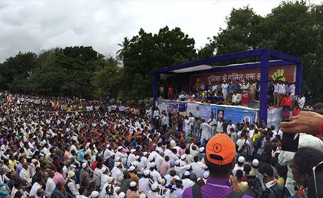 गुजरात : प्रदर्शन में हिस्सा लेकर ऊना से लौट रहे दलितों पर हमले के आरोप में 22 गिरफ्तार