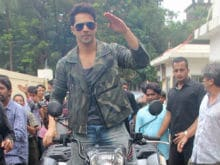 Here's What Varun Dhawan Says About Priyanka, Deepika's Hollywood Stint