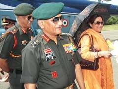 केंद्रीय मंत्री वीके सिंह की पत्नी ने दिल्ली के शख्स पर लगाया ब्लैकमेलिंग का आरोप