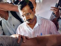 Arvind Kejriwal Boards Train Amid Protests, Pulls Into Ludhiana With More