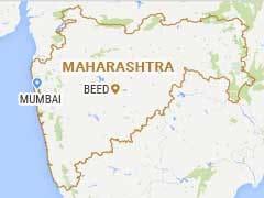 Maharashtra's 'Manjhi': Labourer Repairs Potholes After Wife Sustains Injury