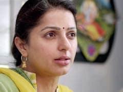 एमएस धोनी की फिल्म में बहन की खास भूमिका में हैं 'तेरे नाम' में सलमान की प्रेमिका रहीं भूमिका चावला...