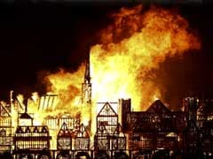 London Replica Torched To Mark Great Fire Anniversary