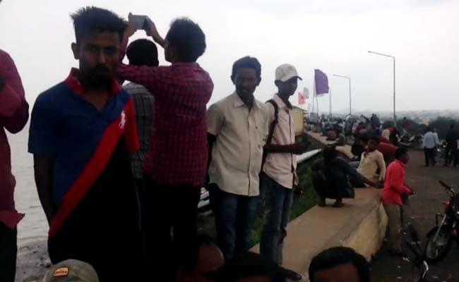 Hyderabad Preps For Floods, But Selfies, Celebrations At Telangana Dams