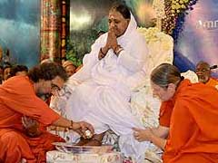 Mata Amritanandamayi Declines Comment On Women's Entry Into Sabarimala
