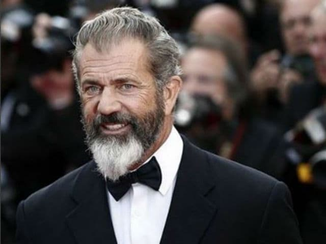 Mel Gibson Slams Batman v Superman: Dawn of Justice