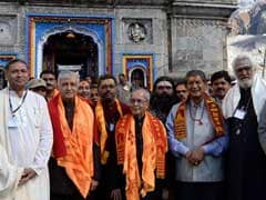 President Pranab Mukherjee Pays Obeisance At Kedarnath Shrine