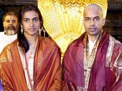 P V Sindhu, P Gopichand Visit Tirupati Shrine