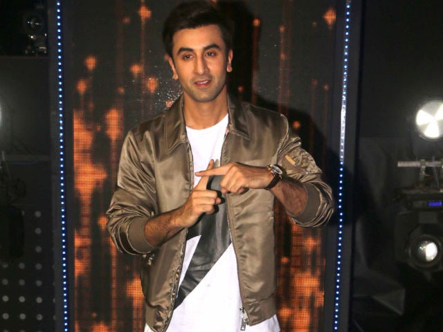 Ranbir Dodges Question on Threat Against Ae Dil Hai Mushkil