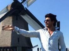 What Shah Rukh Khan is Upto in New Chaiyya Chaiyya Video