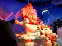 Mumbai Gets Its Coolest Idol: Ganpati Made of 300 Kg Snow Is Buzz In Town