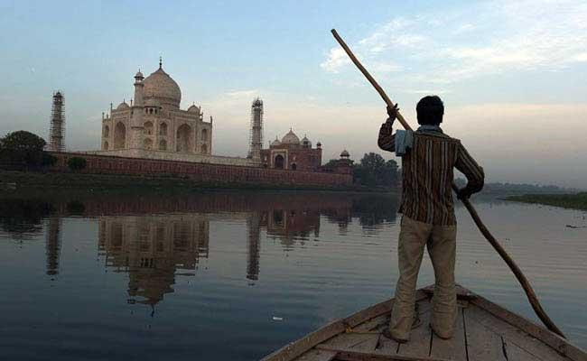 Childhood Cancer Awareness Exhibition Kicks Off In Agra's Taj Mahal