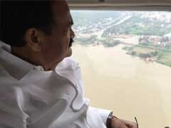 Venkaiah Naidu Surveys Flood-Hit Guntur; People Moved To Safer Areas In Vizag