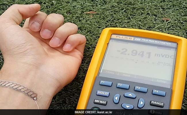 Soon, T-Shirts That Turn Body Heat Into Electricity!