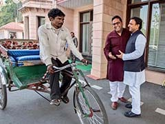 Paytm's Vijay Shekhar Sharma Got Helping Hand. Rickshaw Puller Rewarded
