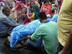 Family Accuses Husband Of Killing Woman, Stages Protest In Delhi
