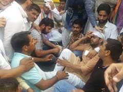 हरियाणा कांग्रेस की कलह उजागर, अशोक तंवर और भूपिंदर सिंह हुड्डा के समर्थकों में चली लाठियां, तंवर घायल