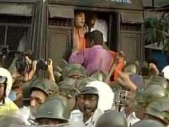 BJP Workers Clash With Police To Protest Attack On Union Minister Babul Supriyo