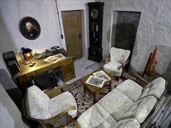 Replica Of Part Of Hitler's Bunker Goes On Display In Berlin