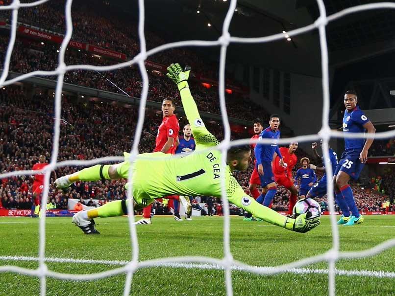 b5c9bfd7b David de Gea Acrobatics Save Manchester United The Blues vs Liverpool