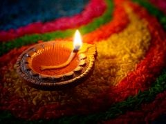 This Diwali Be the Change: Choose Smokeless Diyas and Save the Environment