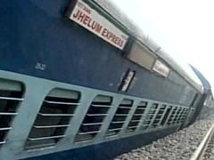 100 Trains' Movement Hit After Jhelum Express Derails Near Satluj