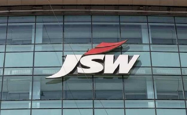 JSW Steel Says Evaluating Opportunities Amid Buyout Reports
