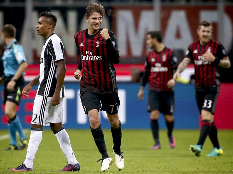 Manuel Locatelli Screamer Earns AC Milan Win Over Juventus in Serie A