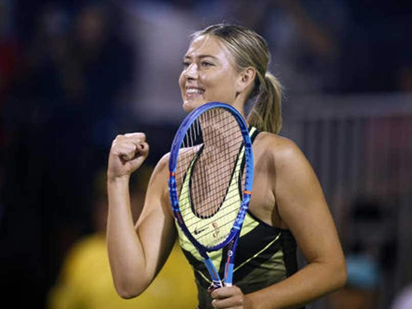 Smiling Sharapova plays Las Vegas charity event