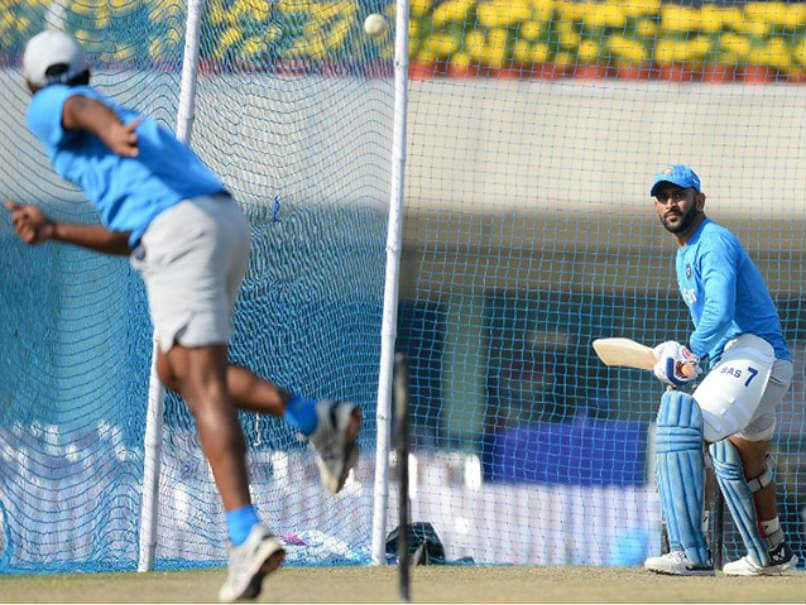 India vs NZ 4th ODI Live Score: Dhoni Aims to Seal Series in Hometown