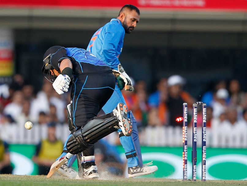 Watch Dhoni's Blind Run Out Of Ross Taylor That Has Left Fans In Awe