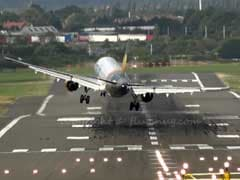 Terrifying Moment Plane's Landing Is Badly Affected By Heavy Winds