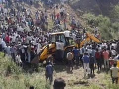 14 Dead As Bus Plunges Into Water-Filled Pit Near Madhya Pradesh's Ratlam