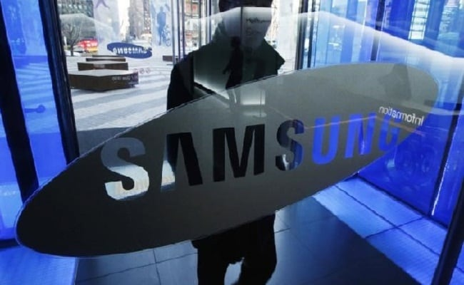 Samsung To Start Manufacturing Foldable Smartphone Later This Year: Report