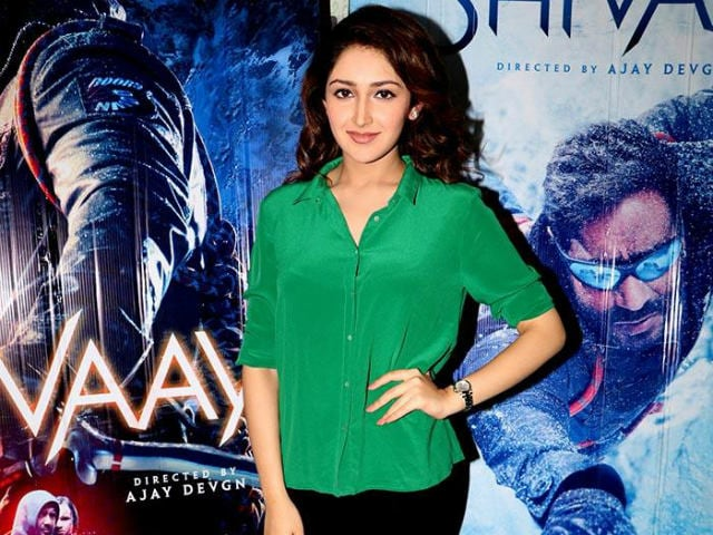 Shivaay Actress Sayyeshaa Saigal is 'Lucky' to be Advised by This