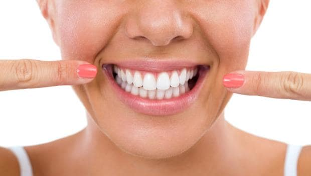 8 Wonderful Foods You Must Have For a Bright and Beautiful Smile